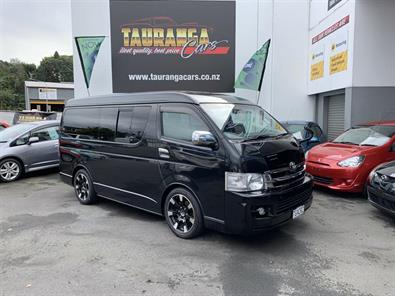 Photo of Toyota Hiace GL PACKAGE 10 SEATER! 2007