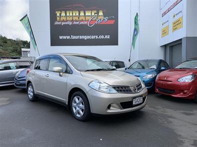 Photo of Nissan Tiida 15M 2010
